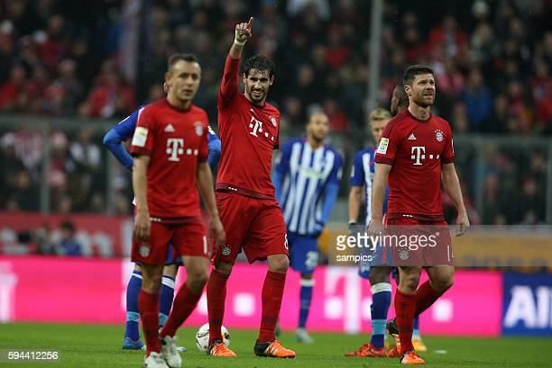 0 mit Rafinha Javier Martinez Xabi Alonso Fussball 1 Bundesliga FC Bayern München vs Hertha BSC Berlin