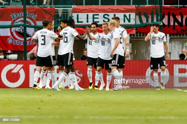 jubel Torjubel um Mesut Oezil of Geramny nach dem treffer zum 01 during the international friendly match between Austria and Germany at Woerthersee...