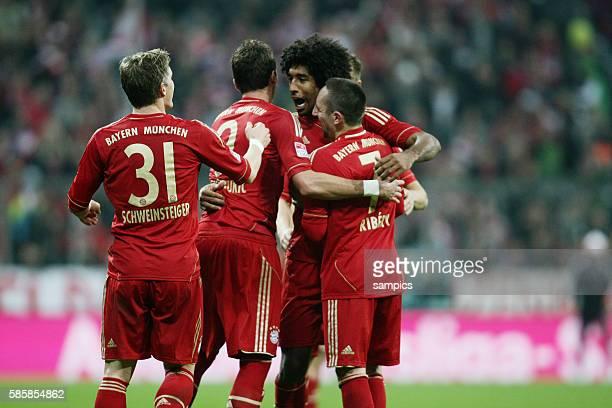 JUbel um Dante FC Bayern München Franck RIBERY FC Bayern München 1 Bundesliga Fussball FC Bayern München Hannover 96 50 Saison 2012 / 2013