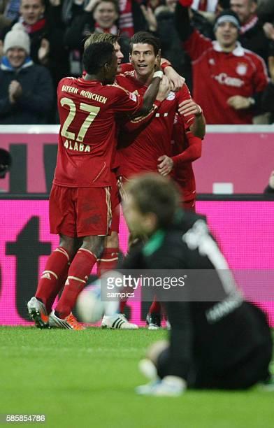 Jubel um Mario GOMEZ FC Bayern München 1 Bundesliga Fussball FC Bayern München Hannover 96 50 Saison 2012 / 2013