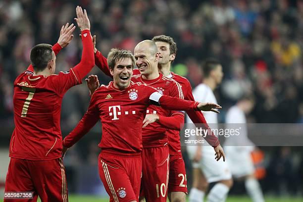 Jubel von Frank RIBERY FC Bayern München Arjen ROBBEN FC Bayern München Phlipp LAHM FC Bayern München und Thomas Müller Mueller FC Bayern München...