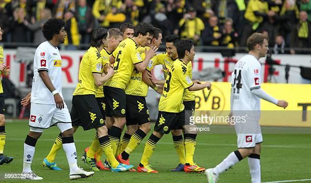 Jubel von Ivan Perisic Borussia Dortmund nach dem 1:0 mit seinen Mitspielern Borussia Dortmund feiert die deutsche Fussballmeisterschaft durch den...