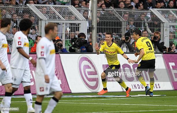 Jubel von Ivan Perisic Borussia Dortmund nach seinen Tor zum 1:0 mit Robert Lewandowski Borussia Dortmund Borussia Dortmund feiert die deutsche...