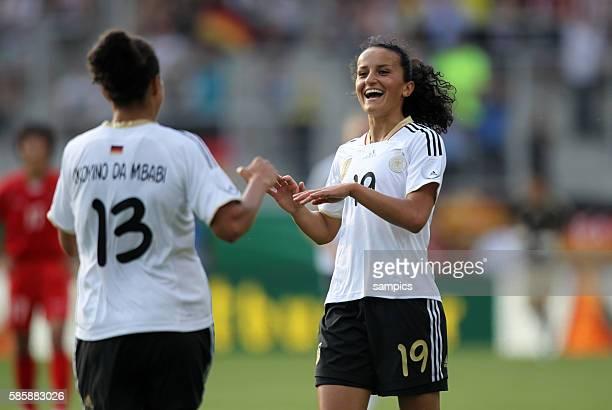JUbel von Torschutzin Celia Okoyino Da Mbabi und Fatmire Bajramaj Frauenfussball Länderspiel Deutschland Nordkorea Korea DVR 20 am 21 5 2011