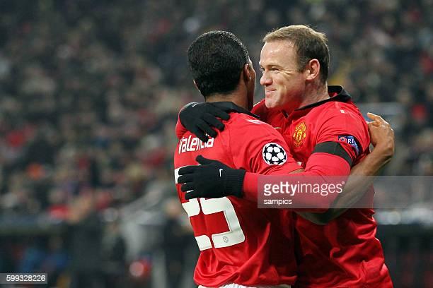 JUbel von Wayne Rooney Manchester United uns Antonio Valencia Manchester United Championsleague Fussball Bayer Leverkusen Manchester United Saison...