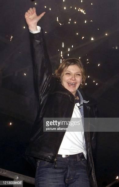 Jubelnd steht Alida am nach dem Ende der zweiten Big-Brother-Staffel in Hürth auf der Bühne. Nach 106 Tagen freiwilliger Isolation hat die 23-jährige...