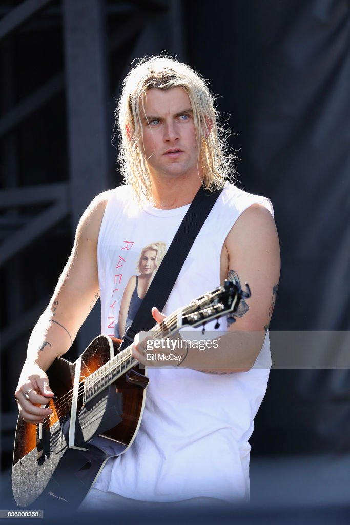 Judah Akers of the band Judah and The Lion performs at the Radio 104.5 Summer Block Party August 20 , 2017 in Philadelphia, Pennsylvania