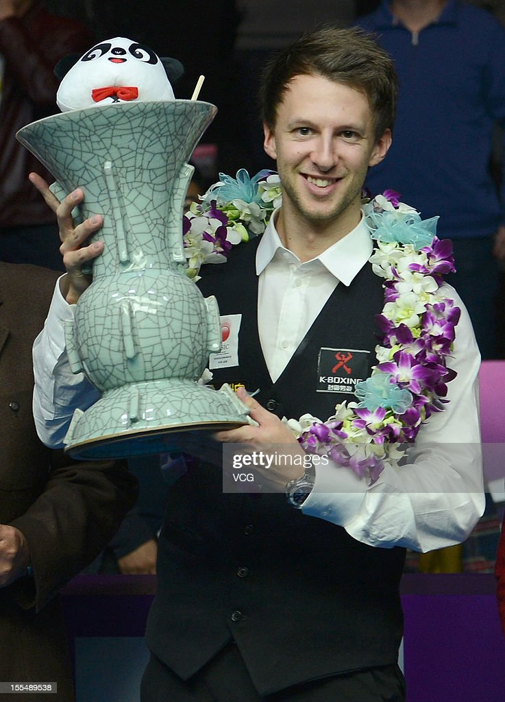 2012 World Snooker International Championship - Day 8