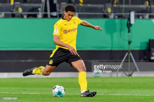 Jude Bellingham of Borussia Dortmund controls the ball during the DFB Cup semi final match between Borussia Dortmund and Holstein Kiel at Signal...
