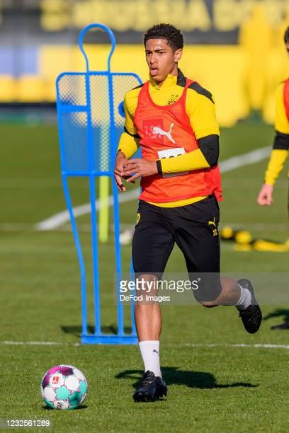 Jude Bellingham of Borussia Dortmund controls the ball during the Borussia Dortmund Training Session on April 27, 2021 in Dortmund, Germany.