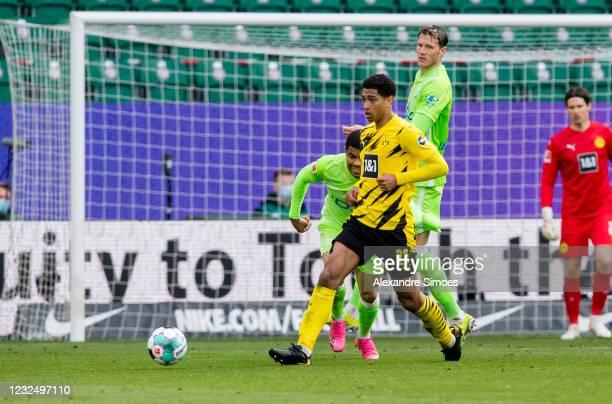 Jude Bellingham of Borussia Dortmund in action during the Bundesliga match between VfL Wolfsburg and Borussia Dortmund at the Volkswagen Arena on...