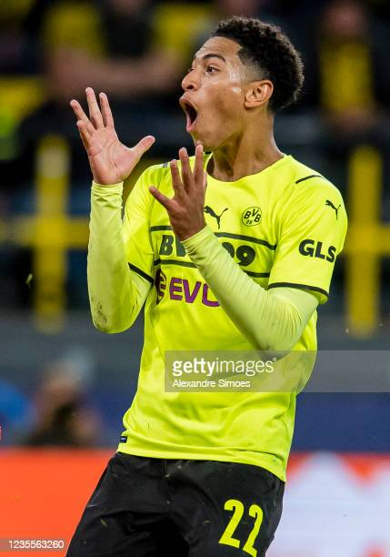 Jude Bellingham of Borussia Dortmund in action during the Champions League Group C match between Borussia Dortmund and Sporting Lissabon at the...