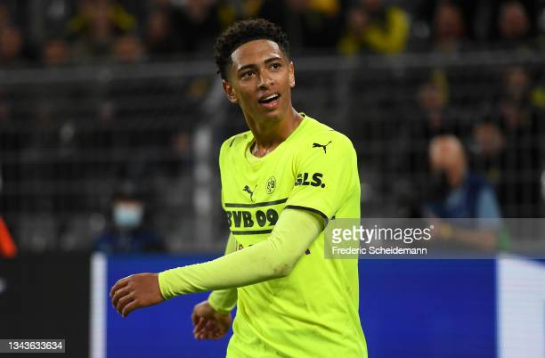 Jude Bellingham of Borussia Dortmund reacts during the UEFA Champions League group C match between Borussia Dortmund and Sporting CP at Signal Iduna...