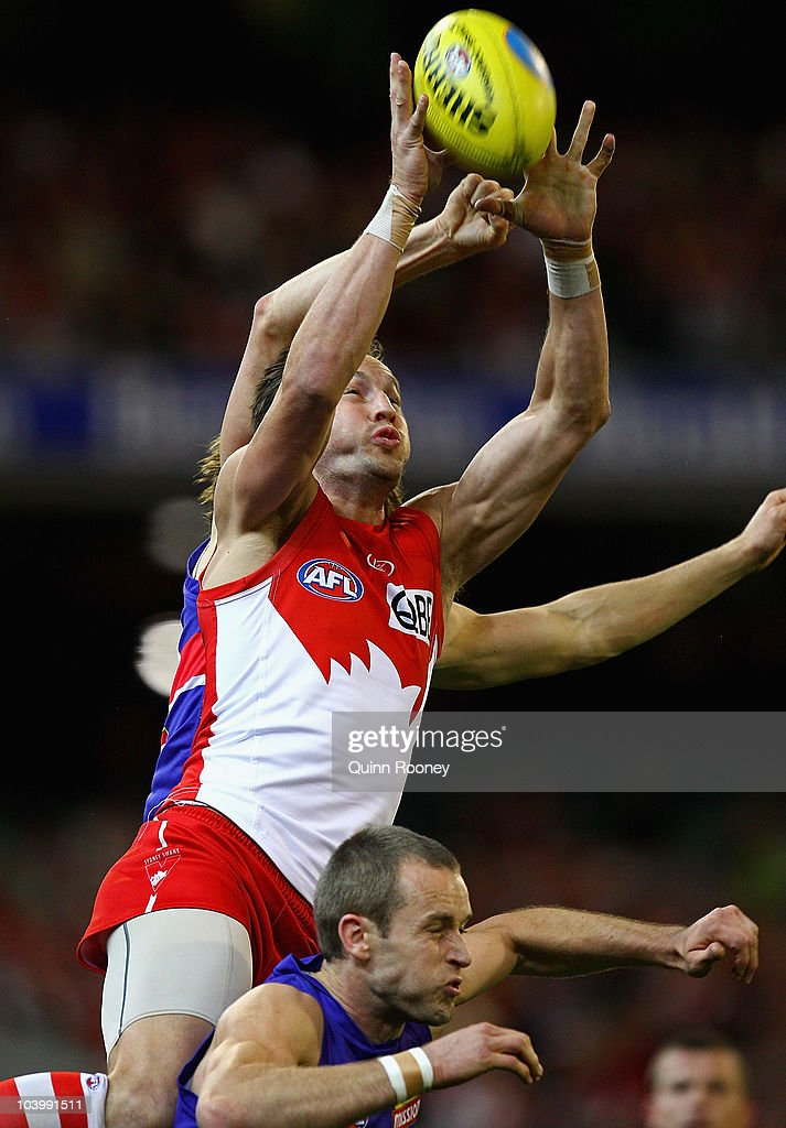 AFL 1st Semi Final - Bulldogs v Swans