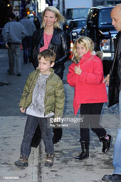 Jude Gordon Grammer Katye Walsh and Mason Olivia Grammer visit the Late Show With David Letterman taping at the Ed Sullivan Theater on January 13...