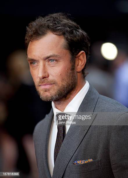 Jude Law Arriving For The Premiere Of Anna Karenina At The Odeon Leicester Square, London.