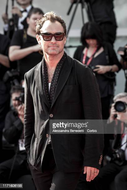 Jude Law attends the Campari award ceremony to Luca Bigazzi during the 76th Venice Film Festival at Sala Grande on September 01 2019 in Venice Italy