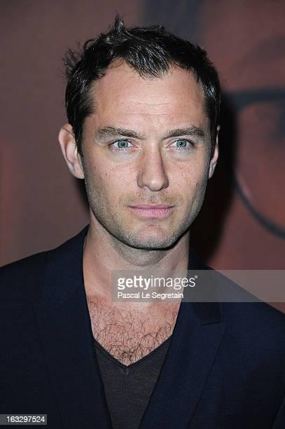 Jude Law attends the 'Effet Secondaires' Premiere at UGC Cine Cite des Halles on March 7 2013 in Paris France