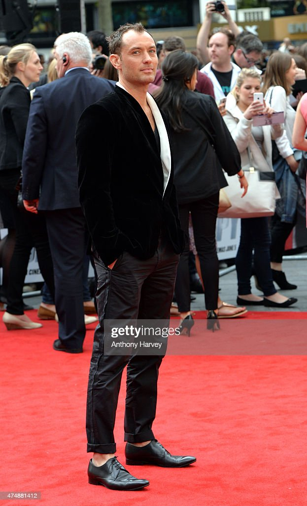 Jude Law attends the UK Premiere of 'Spy' at Odeon Leicester Square on May 27, 2015 in London, England.