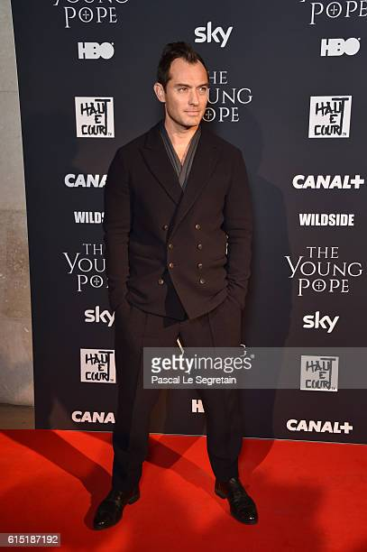 """Jude Law attends """"The Young Pope"""" Paris Premiere at la cinematheque on October 17, 2016 in Paris, France."""