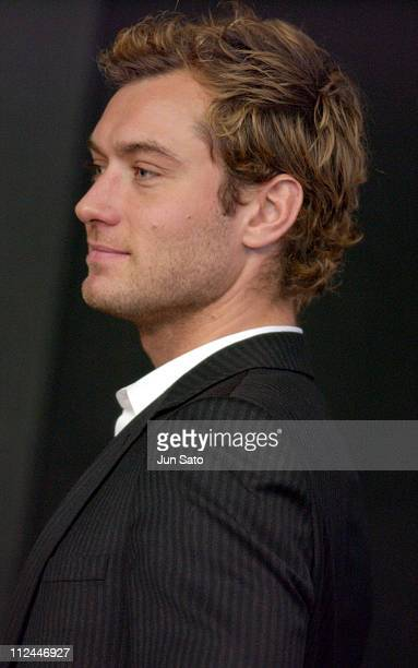 """Jude Law during 17th Annual Tokyo International Film Festival - """"Sky Captain and the World of Tomorrow"""" Press Conference at Roppongi Academy Hills in..."""