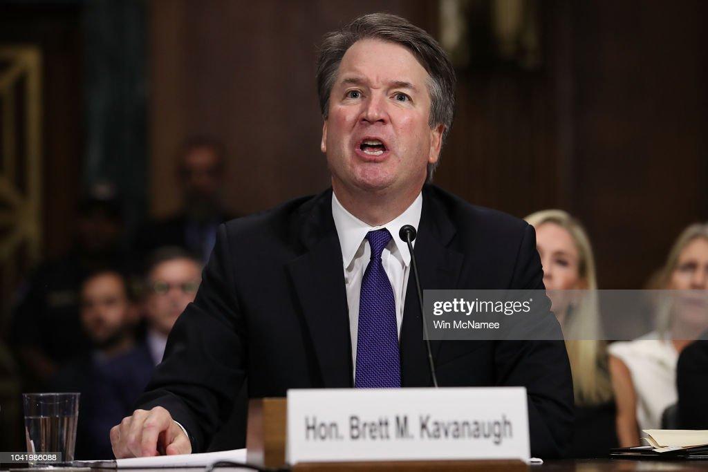 Dr. Christine Blasey Ford And Supreme Court Nominee Brett Kavanaugh Testify To Senate Judiciary Committee : Fotografía de noticias