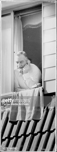 Judge Foord at his Bondi Junction home today as he prepared to leave for work October 2 1985