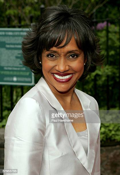Judge Glenda Hatchett attends a reception in honor of the 32nd Annual Daytime Emmy Awards at Gracie Mansion May 19 2005 in New York City