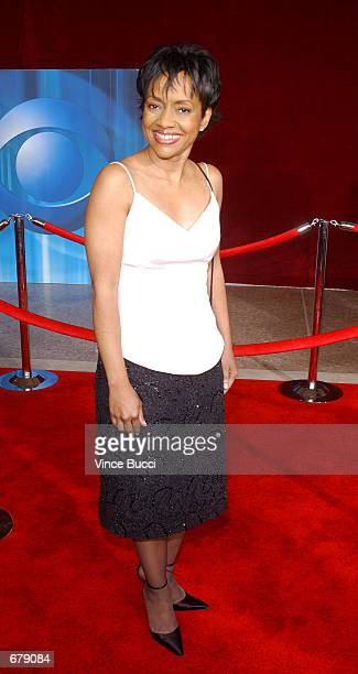 Judge Glenda Hatchett attends the 53rd Annual Primetime Emmy Awards at the Shubert Theater November 4 2001 in Los Angeles CA