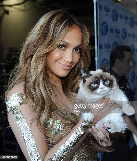 Judge Jennifer Lopez and Grumpy Cat backstage at FOX's American Idol XIII Top 6 to 5 Live Elimination Show on April 24 2014 in Hollywood California