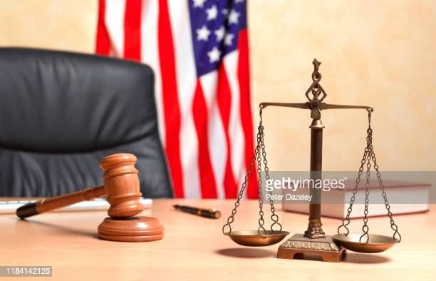 judge's chair with scales of justice and gavel - {{ contactusnotification.cta }} stock pictures, royalty-free photos & images