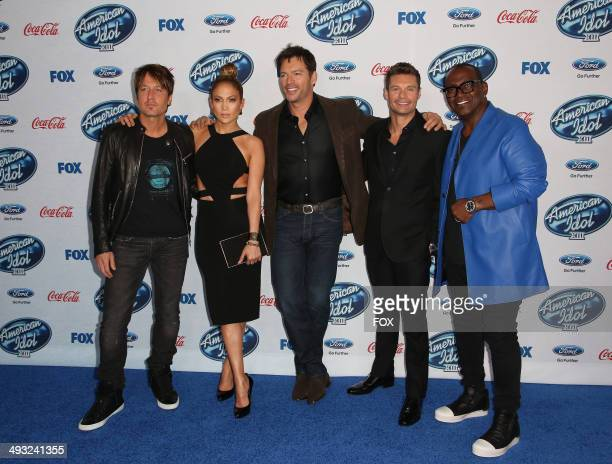 Judges Keith Urban Jennifer Lopez and Harry Connick Jr Host Ryan Seacrest and InHouse Mentor Randy Jackson arrive on the blue carpet during the...