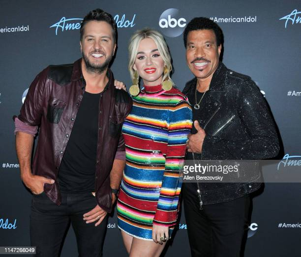 Judges Luke Bryan Katy Perry and Lionel Richie pose for a photo after ABC's American Idol live show on May 05 2019 in Los Angeles California