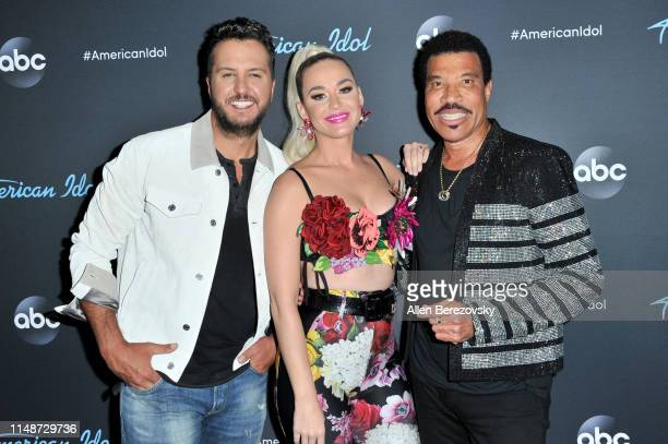 Judges Luke Bryan Katy Perry and Lionel Richie pose for a photo after ABC's American Idol live show on May 12 2019 in Los Angeles California