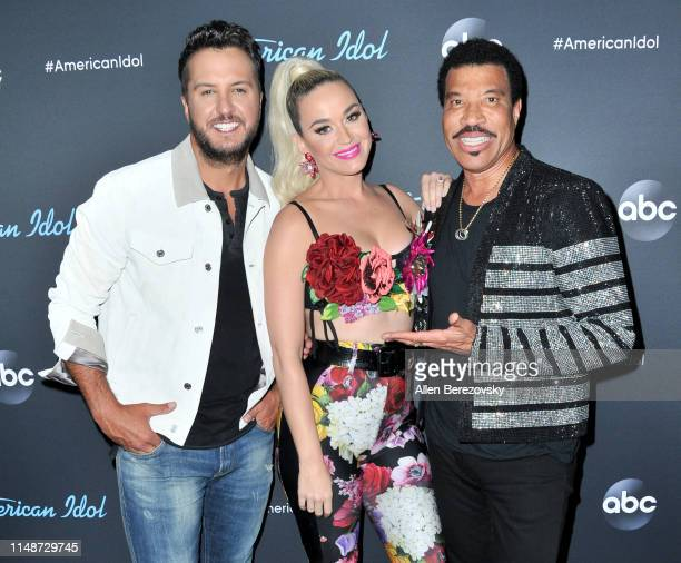 """Judges Luke Bryan, Katy Perry and Lionel Richie pose for a photo after ABC's """"American Idol"""" live show on May 12, 2019 in Los Angeles, California."""