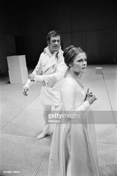 Judi Dench with Barrie Ingham starring in A Winters Tale by William Shakespeare at The Royal Shakespeare Theatre StratforduponAvon England A Winters...