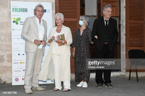 Judi Dench's husband David Mills, British actress Judi Dench, Stephen Frears's wife Anne Rothenstein and British director Stephen Frears attends to...