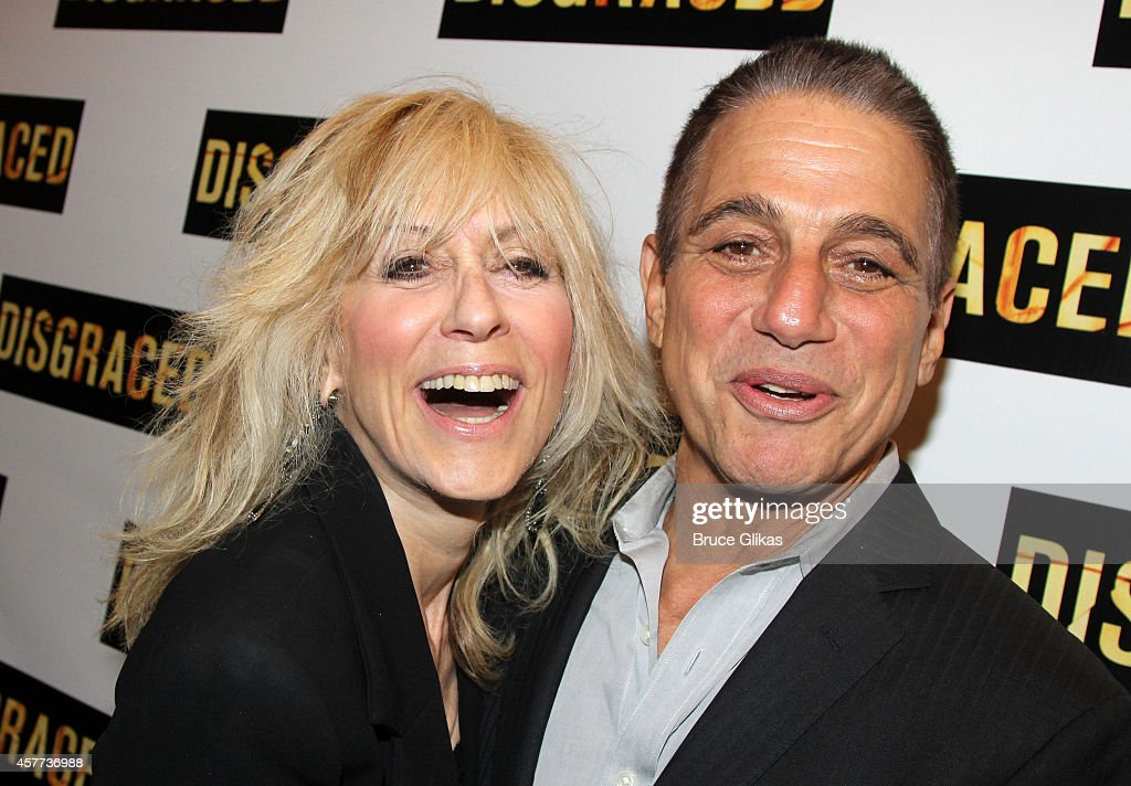 """""""Disgraced"""" Opening Night - Arrivals And Curtain Call : News Photo"""