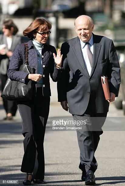 Judith Miller a New York Times reporter and her lawyer Floyd Abrams a First Amendment expert walk into the E Barrett Prettyman US District Court...
