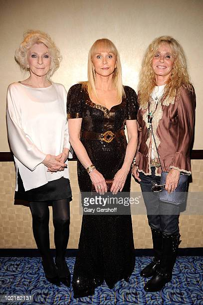 Judy Collins Jackie DeShannon and Kim Carnes attend the 41st Annual Songwriters Hall of Fame Ceremony at The New York Marriott Marquis on June 17...