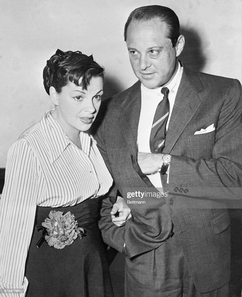 Judy Garland and Sid Luft Attending Court Hearing : News Photo