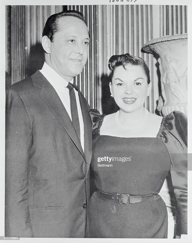 Judy Garland And Husband Sid Luft Are Shown At The Reception For The... News Photo | Getty Images