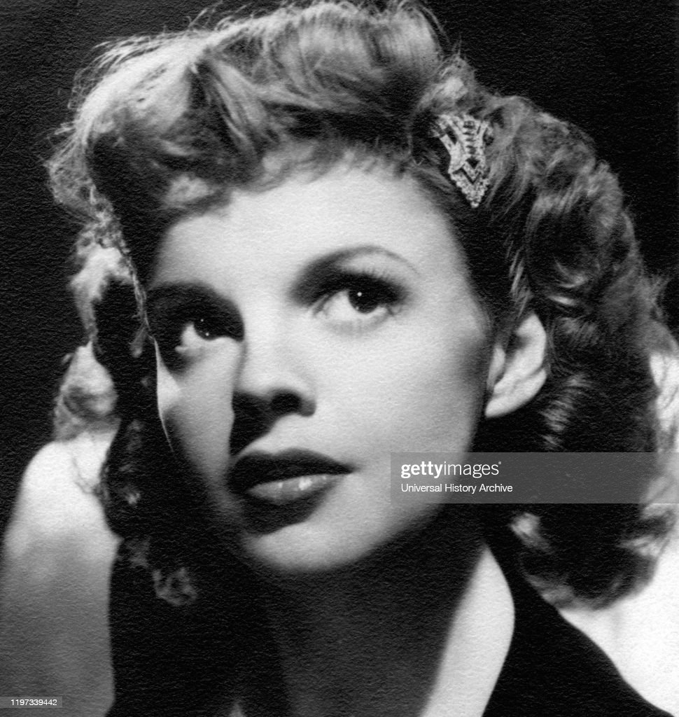 Judy Garland Publicity Portrait Metro Goldwyn Mayer 1940 News Photo Getty Images