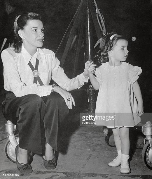 Judy Garland with her daughter Liza Minnelli visits famous mother during recordings of Rodger and Hart tunes for 'words and music' in which Miss...