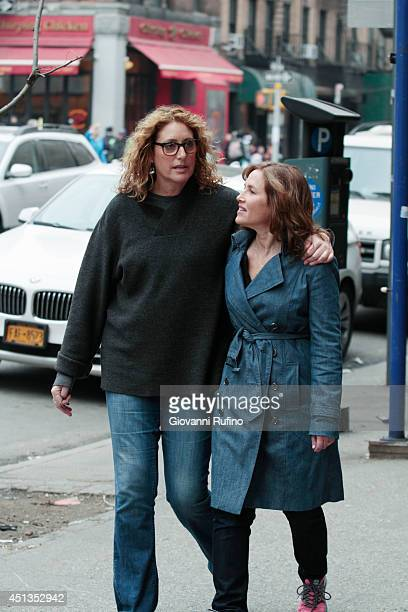 SWAP Judy Gold/Penn Jillette Comedian Judy Gold and her fiancée Elisa swap lives with magician Penn Jillette and his wife Emily on Celebrity Wife...