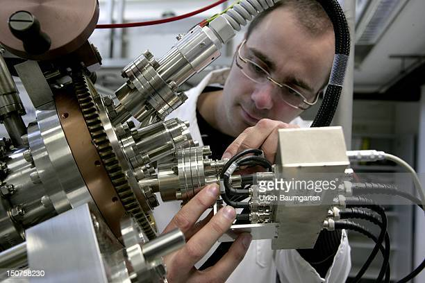 GERMANY JUELICH Juelich Research Centre Institute of Solid State Research Ops an employee of the institute at NanoSpintronicsClusterTool The...