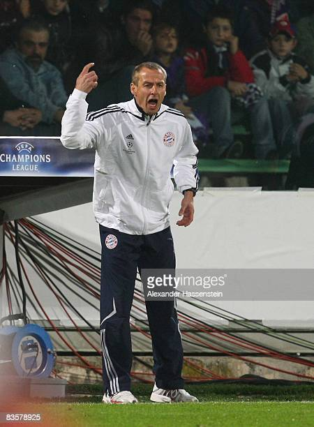 Juergen Klinsmann head coach of Bayern Muenchen reacts during the UEFA Champions League Group F match between ACF Fiorentina and FC Bayern Muenchen...