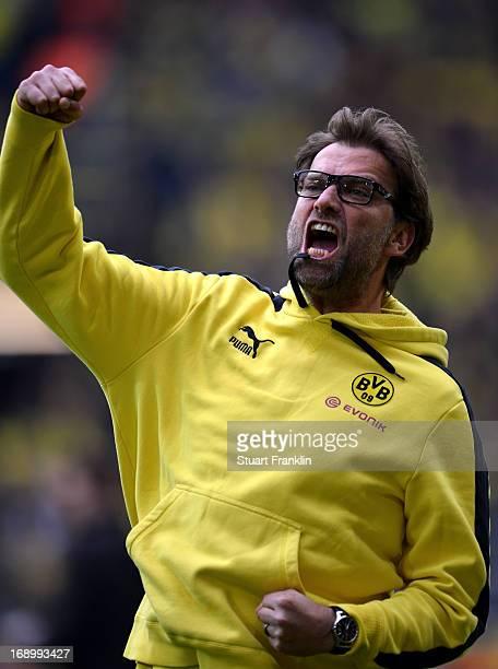 Juergen Klopp head coach of Dortmund shouts during the Bundesliga match between Borussia Dortmund and TSG 1899 Hoffenheim at Signal Iduna Park on May...