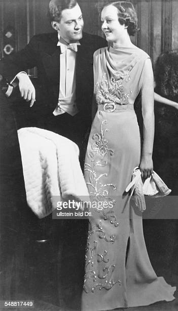 Juergens Curd Actor Germany * and a woman in evening dress 1937 Photographer Sonja Georgi Published by 'Die Dame' 05/1937 Vintage property of...