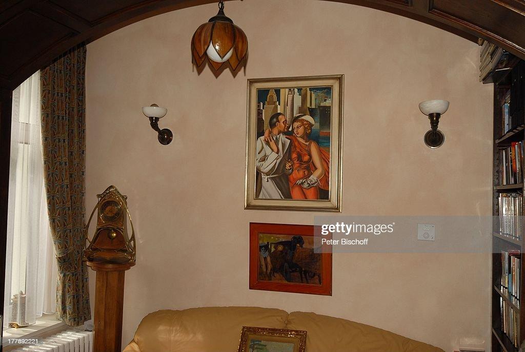Jugendstil-Stand-Uhr (li.), Gemälde, vergoldeter Bilderrahmen, V ...
